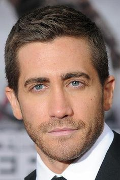 jake gyllenhaal hair, jake gyllenhaal style
