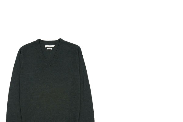 5 Days, 5 Ways: The V-Neck Sweater