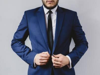 Men's Wardrobe Essential: The Navy Blazer